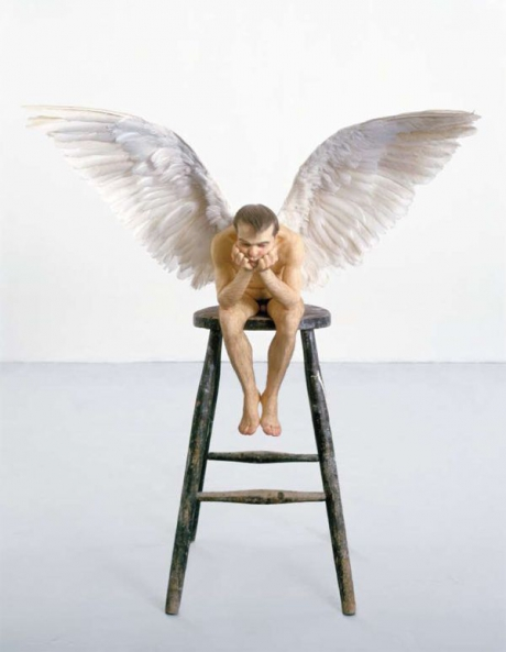 ron-mueck-angel-1343724456_b.jpg